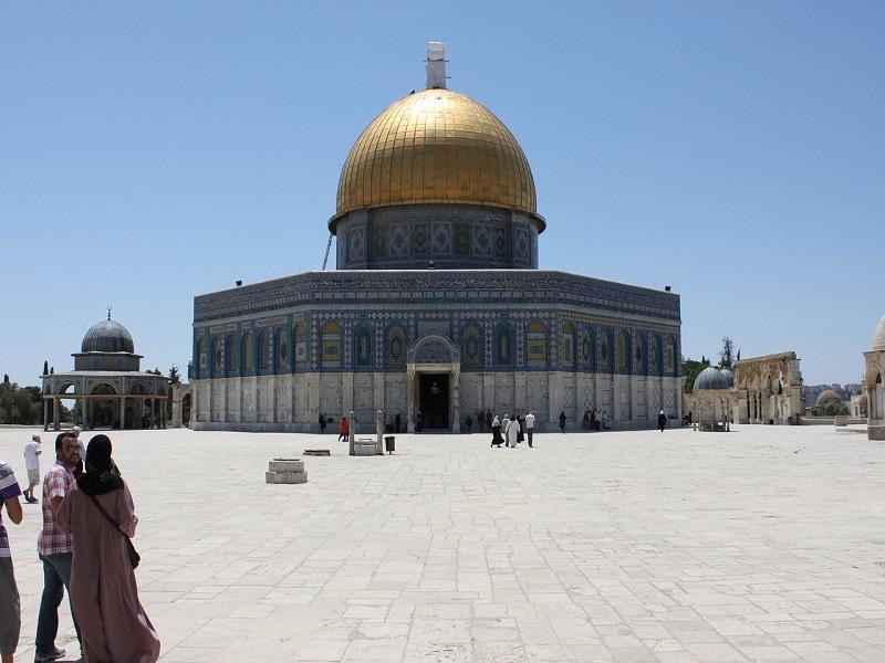 Al-Aqsa Mosque Attracts Fire