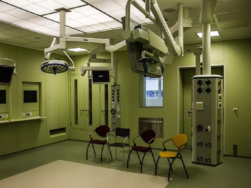 4 quacks' treatment centers, 2 labs closed in Dadu