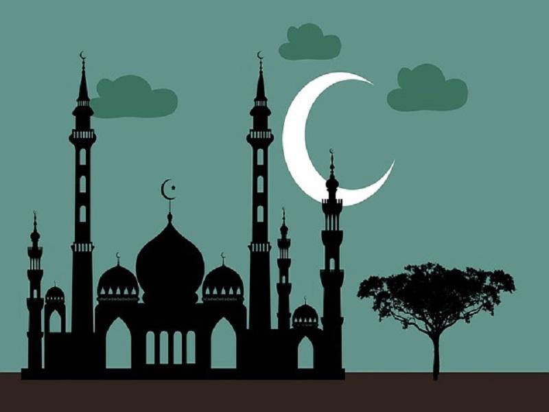 'The true information of Ramazan': Roadside iftar feeds 1000s in Karachi