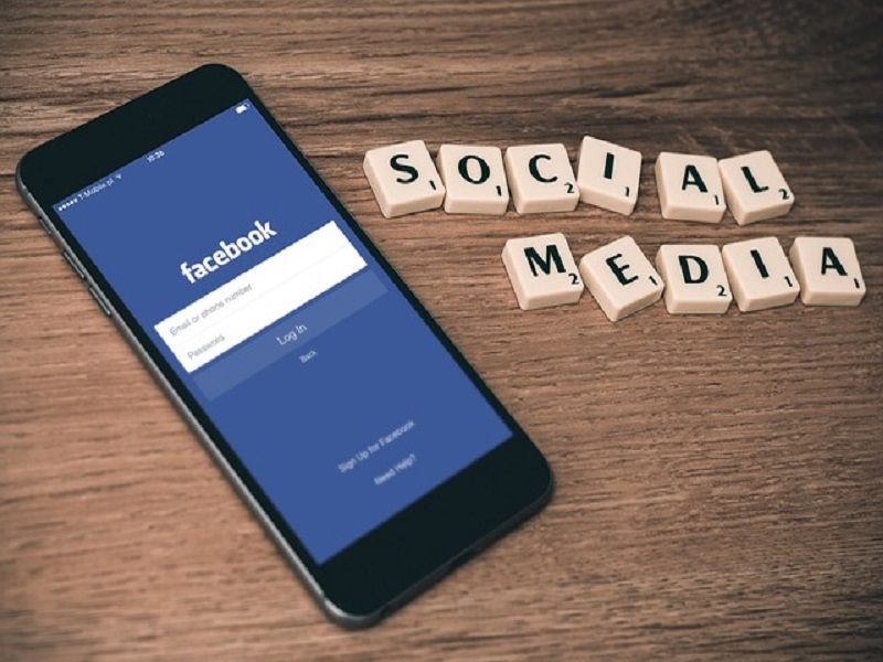 French record over social networks' control boosts burden on Facebook