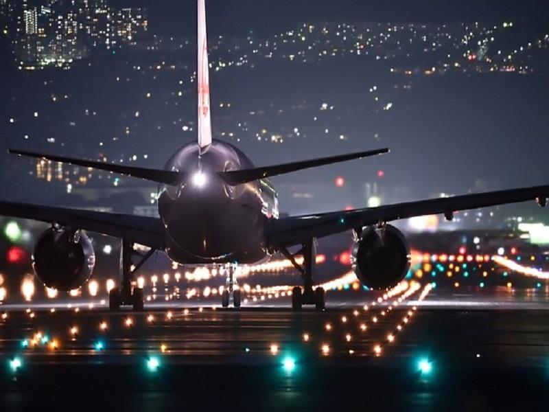 پاکستان میں پانچ ماہ کے بعد سول ایوی ایشن کے لئے ہوائی جہاز دوبارہ کھول دیا گیا ہے