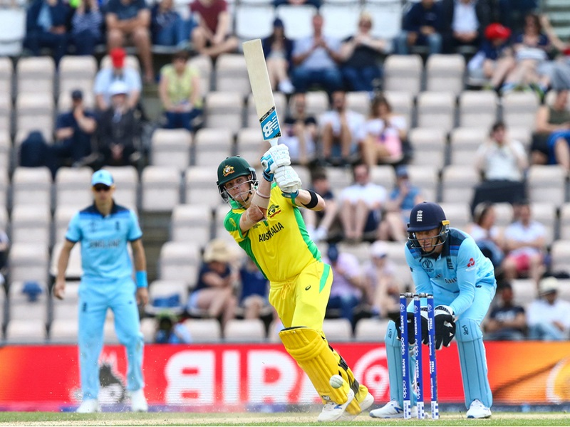 ورلڈ کپ کے فائنل میں انگلینڈ نے آسٹریلیا کو 8 وکٹ سے شکست دی