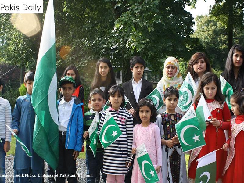 متحدہ عرب امارات میں مقیم پاکستانی اپنے ملک کا یوم آزادی مناتے ہیں۔