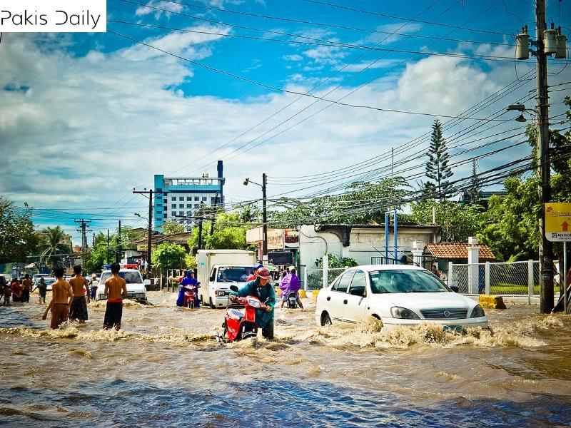 کراچی میں مون سون کی موسلا دھار بارش سے 17 افراد ہلاک.