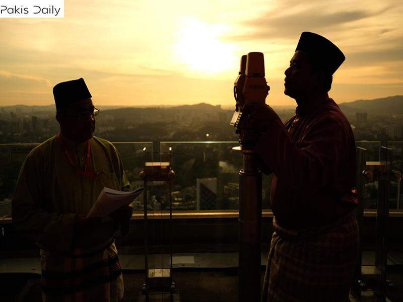 ذوالحج کا چاند نظر آیا ، عیدالاضحی 12 اگست کو منائی جائے گی: مفتی منیب۔