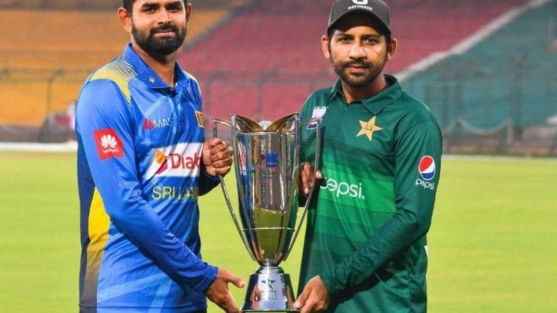 پاکستان اور سری لنکا کے درمیان تین ون ڈے اور تین ٹی ٹونٹی میچ کھیلے جائیں گے۔