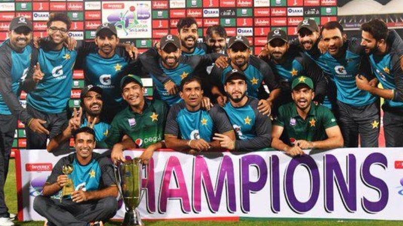 پاکستان نے سری لنکا کو پانچ وکٹوں سے شکست دینے کے لئے دانشکا گناتیلکا کی کیریئر کی بہترین سنچری ناکام بنا دی۔