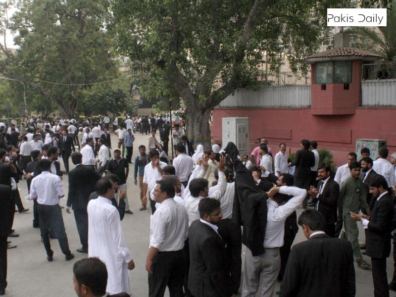 وزارت داخلہ نے 7 دن کے اندر کرکٹر شرجیل خان کا نام ای سی ایل سے نکالنے کو کہا.