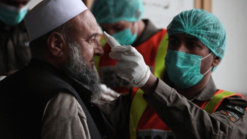 پاکستان میں کرونا وائرس کی بڑھتی ہوئی تباہ کاریوں )