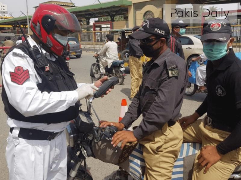 کراچی: ڈبل سواری پر مزید سختی, پولیس اہلکاروں کی خلاف ورزی پر وڈیو وائرل
