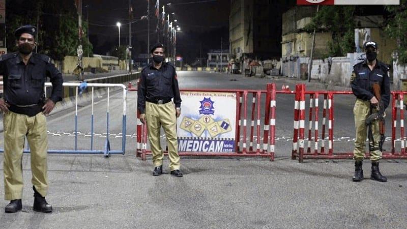 کراچی میں پولیس مقابلہ، 12 زخمی، بچے کی لاش بھی برآمد