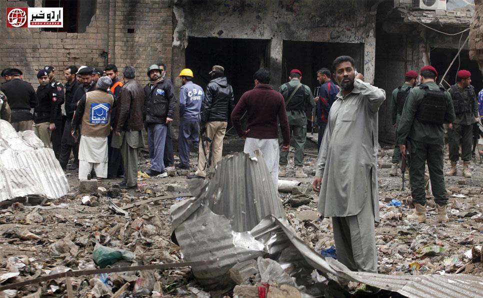 پشاور مدرسے میں دھماکہ، 7 افراد شہید جبکہ سو سے زیادہ زخمی